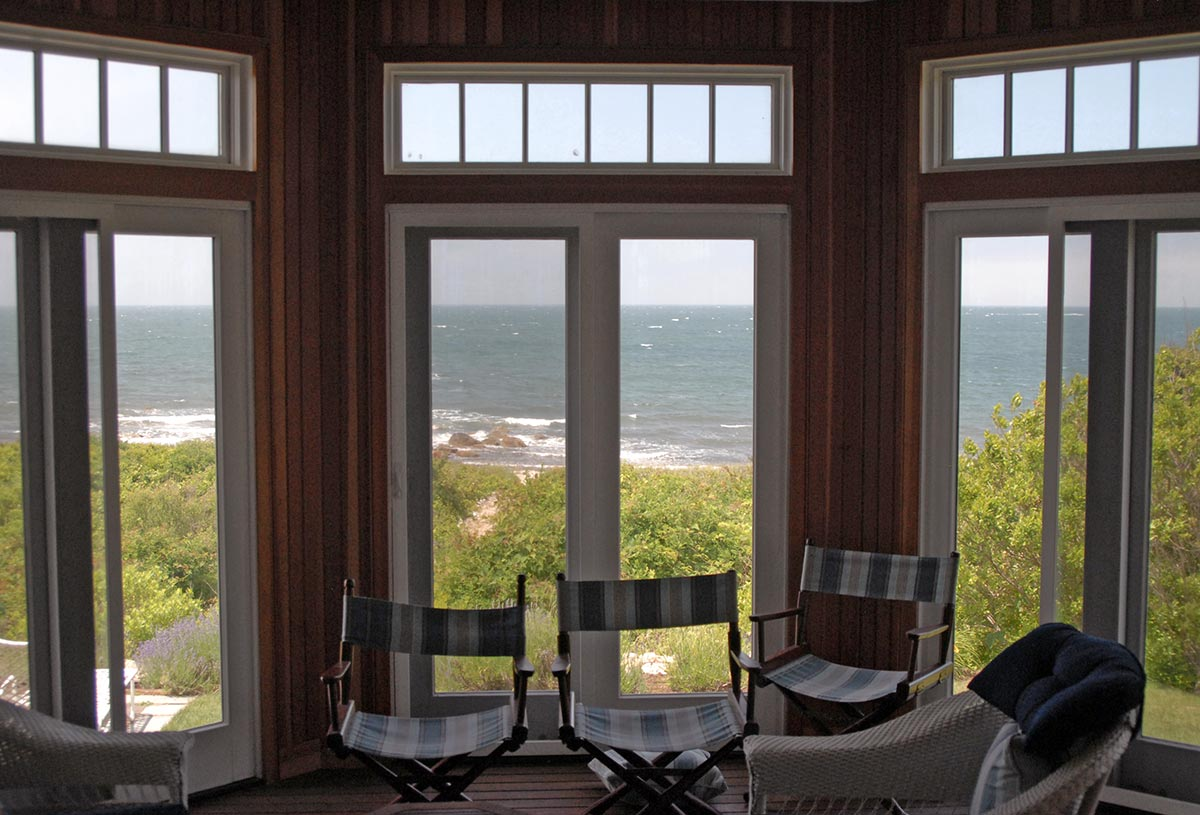 Octagon room open to the ocean breeze.